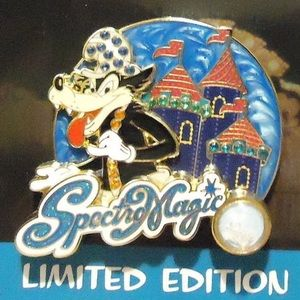 LE Piece of History Disney Big Bad Wolf Pin Jewels